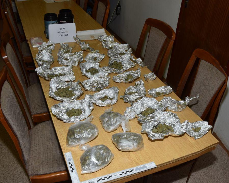 Policajti chytili drogového dílera z Michaloviec, foto 2