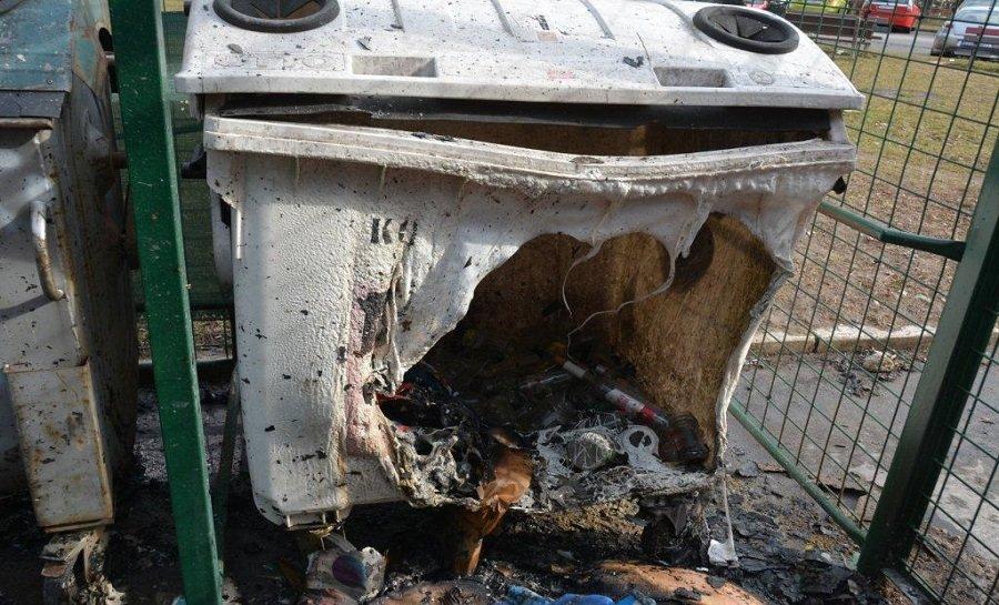 Košičan zapálil 23 plastových kontajnerov na odpad, foto 4