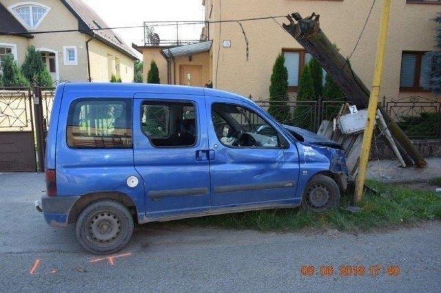 Dopravná nehoda 8. júna 2018 v obci Mokrance, foto 5