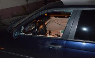 Polícia zadržala dve osoby, ktoré sa vlámali do troch osobných áut
