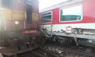 Zrážka vlaku a rušňa Plešivec